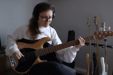 Ariana Grande – positions (Bass Cover)