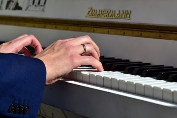 Live Piano Covers (Requests 12pm PT, Lounge 1pm, 5/30/2021)